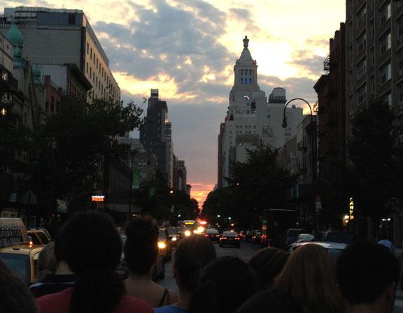 Manhattanhenge, summer solstice , Manhattan street grid, Manhattan summer sunset