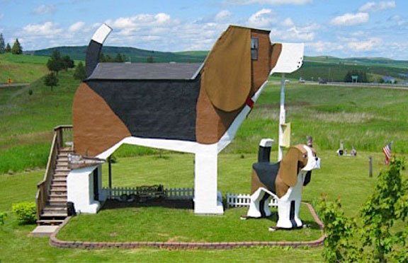 travel, travel accommodations, unusual hotels of the world, unique architecture, adventure travel, off-the-beaten-path, Dog Bark Park Inn