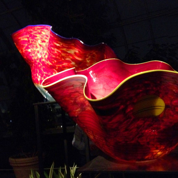 Chihuly Nights, Dale Chihuly, NYBG, what's happening in New York, light and shadow, art exhibit, The New York Botanical Garden, Chihuly @ NYBG